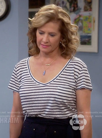 Vanessa's striped v-neck tee on Last Man Standing