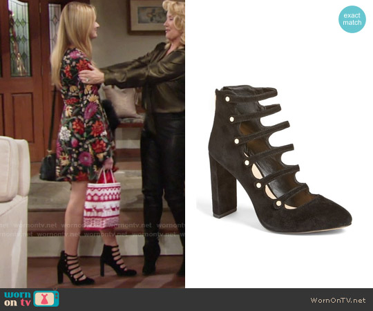 Vince Camuto Davel Block Heel Pump worn by Summer Newman on The Young & the Restless