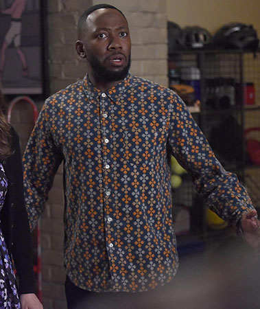 Winston's Thanksgiving shirt on New Girl