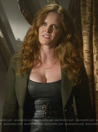 Zelena's green blazer on Once Upon a Time