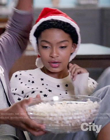 Zoey's white star print sweater on Black-ish