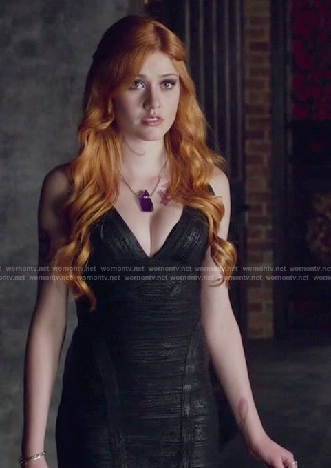 Clary's v-neck black dress on Shadowhunters