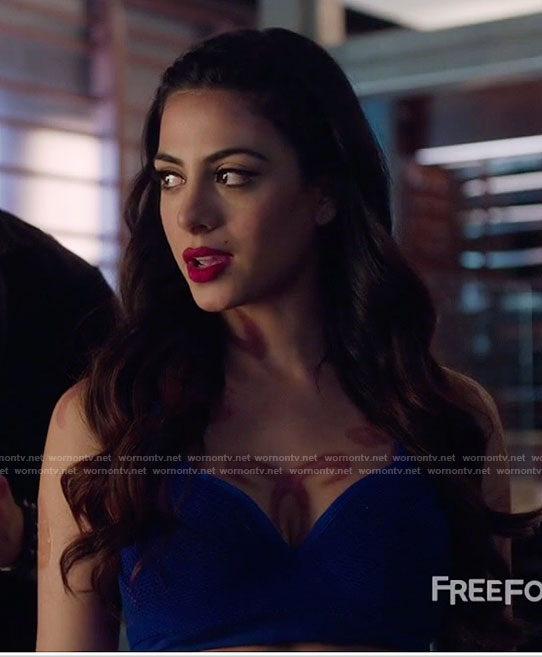 Isabelle's blue mesh sports bra on Shadowhunters