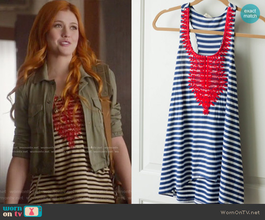 Le Sample Kahlo Embroidered Racerback Tank worn by Clary Fray (Katherine McNamara) on Shadowhunters