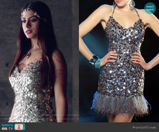 Evening Sequin Cocktail Dress with Feathers by Mac Duggal worn by Isabelle Lightwood (Emeraude Toubia ) on Shadowhunters