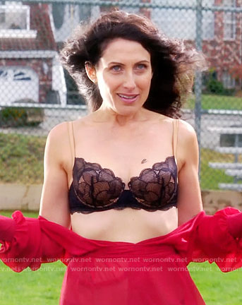 Abby's black lace bra on Girlfriends Guide to Divorce