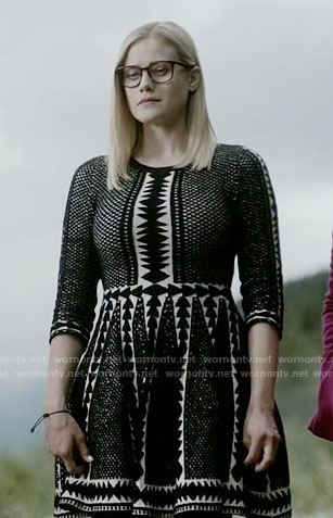 Alice's black and white triangle patterned dress on The Magicians