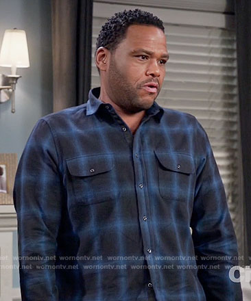 Andre's black and blue plaid shirt on Black-ish