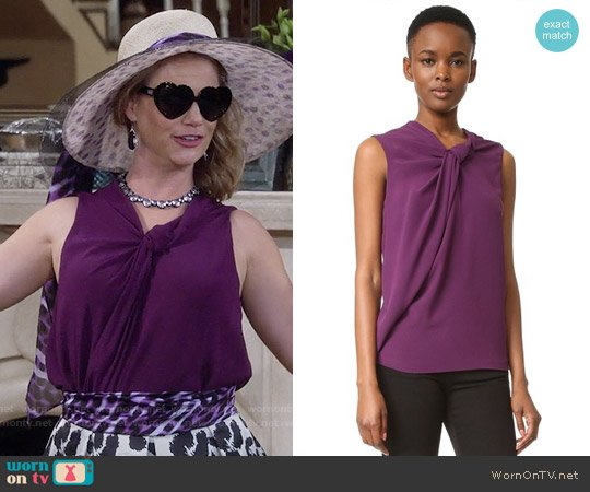 Carven Sleeveless Top worn by Andrea Barber on Fuller House