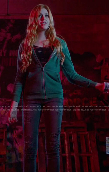 Clary's Grey Jeans on Shadowhunters