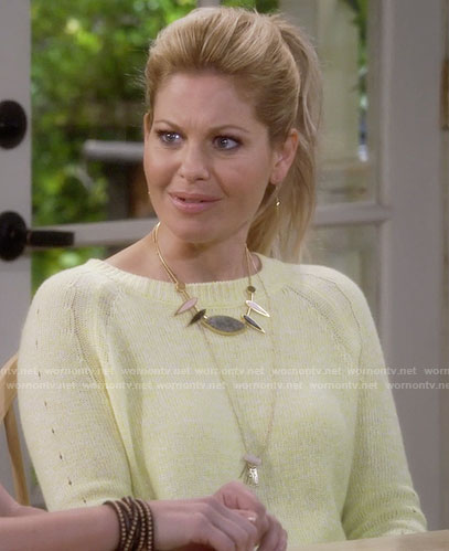 DJ's yellow sweater and spiked necklace on Fuller House
