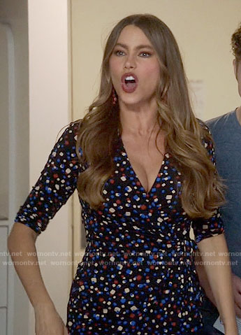 Gloria's confetti print wrap top on Modern Family