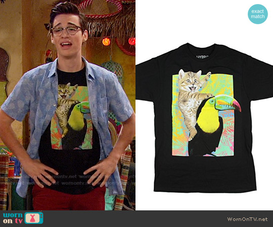 Hybrid Cat Toucan Ride T-shirt worn by Joey Bragg on Liv & Maddie