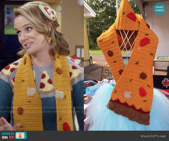 illumiknitiDesign Kimmy Gibbler Pizza Scarf worn by Kimmy Gibbler on Fuller House