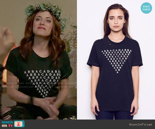 Kelly Cole Limited Edition Graphic Abracadabra T-Shirt worn by Jo (Alanna Ubach) on GG2D