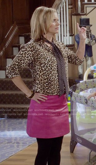 Kimmy's leopard print blouse and pink leather skirt on Fuller House