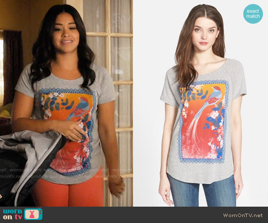Lucky Brand Framed Bird Graphic Tee worn by Jane Villanueva (Gina Rodriguez) on Jane the Virgin