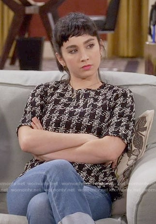 Mandy's tweed houndstooth top on Last Man Standing