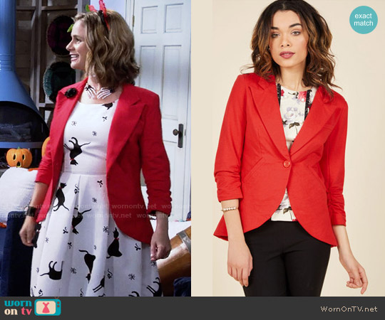 ModCloth Fine and Sandy Blazer in Red worn by Andrea Barber on Fuller House
