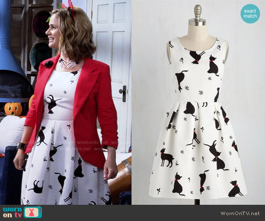 ModCloth Good Mews Travels Fast Dress worn by Andrea Barber on Fuller House