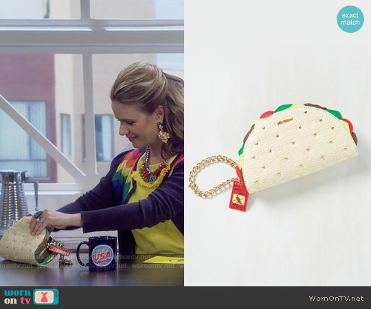 Betsey Johnson Taco the Town Clutch worn by Andrea Barber on Fuller House