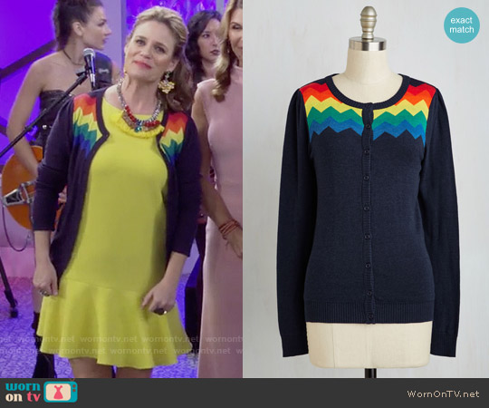 ModCloth You Heard That Bright Cardigan in Rainbow worn by Kimmy Gibbler on Fuller House