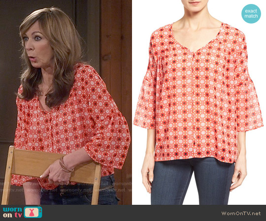 Pleione Bell Sleeve Print Chiffon Blouse worn by Bonnie Plunkett (Allison Janney) on Mom