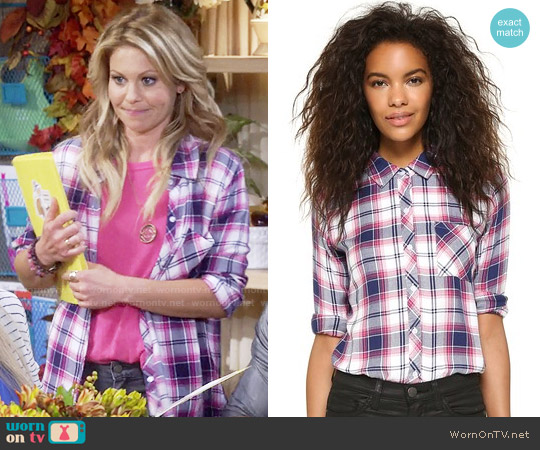 Rails Hunter Shirt in White Navy Berry worn by Candace Cameron Bure on Fuller House