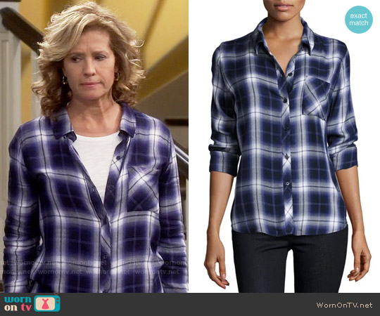 Rails Hunter Shirt in Oxford Blue worn by Nancy Travis on Last Man Standing
