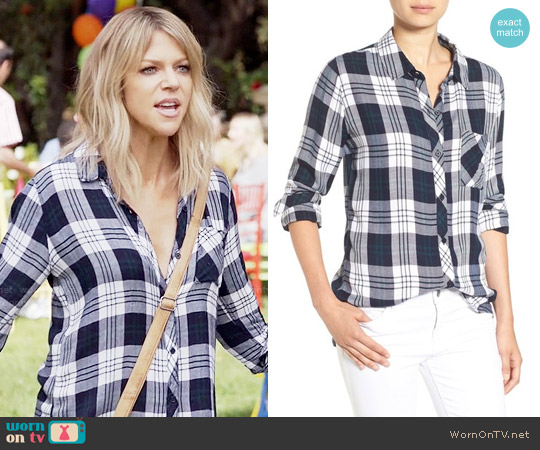 Rails Hunter Shirt in White / Navy / Forest worn by Mackenzie Murphy (Kaitlin Olson) on The Mick