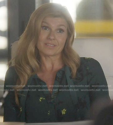 Rayna's green floral blouse on Nashville