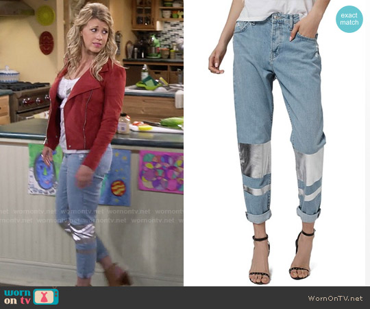 Topshop Hayden Silver Stripe Boyfriend Jeans worn by Stephanie Tanner on Fuller House