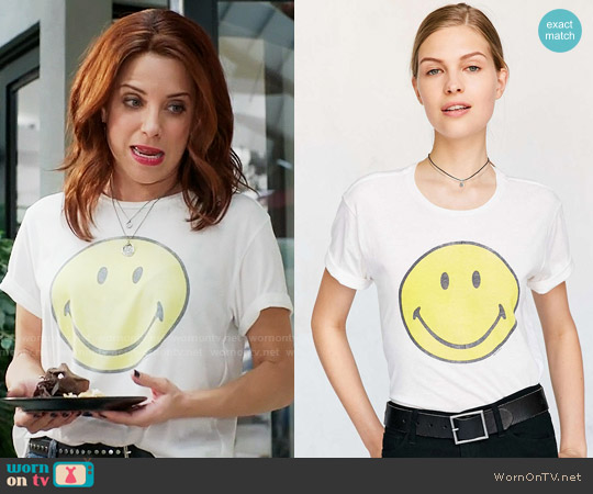 Urban Outfitters Smiley Face Tee worn by Alanna Ubach on GG2D