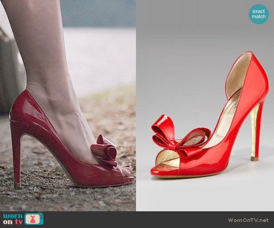 Valentino Couture Bow d'Orsay Pump worn by Madelaine Petsch on Riverdale