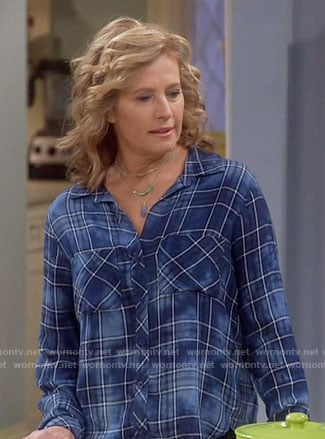 Vanessa's blue checked shirt on Last Man Standing