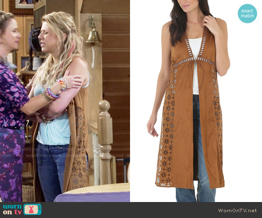 Wrangler Faux Suede Laser Cut Duster worn by Jodie Sweetin on Fuller House