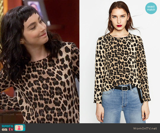Zara Animal Print Top worn by  Molly Ephraim on Last Man Standing