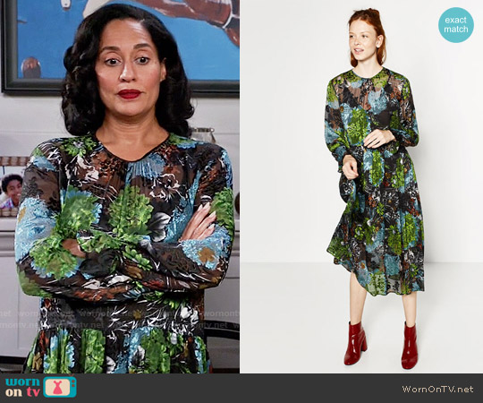Zara Floral Midi Devoré Dress worn by Rainbow Johnson (Tracee Ellis Ross) on Blackish