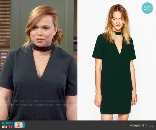 Zara Mini Dress with Collar Detail worn by Amanda Fuller on Last Man Standing