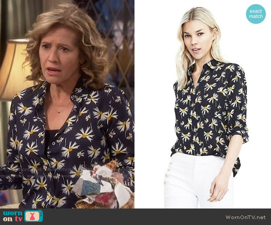 Banana Republic Dillon-Fit Long-Sleeve Floral Print Blouse worn by Vanessa Baxter (Nancy Travis) on Last Man Standing