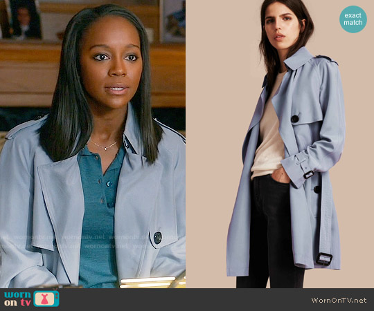 Burberry Lightweight Slub Silk Wrap Trench Coat worn by Michaela Pratt (Aja Naomi King) on HTGAWM