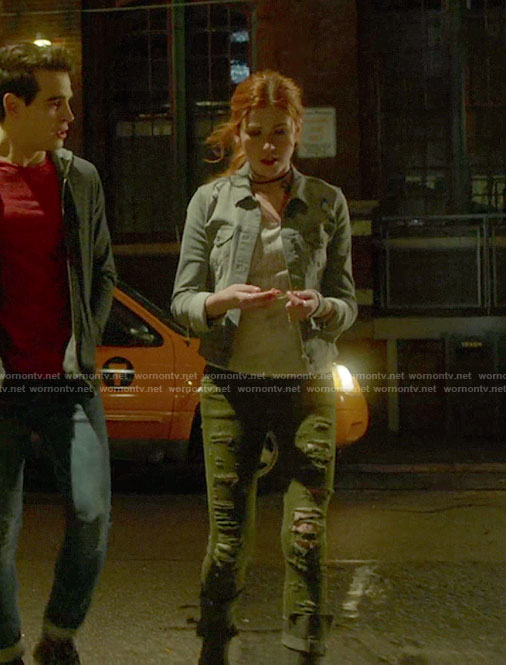 Clary's grey denim jacket and khaki green frayed jeans on Shadowhunters