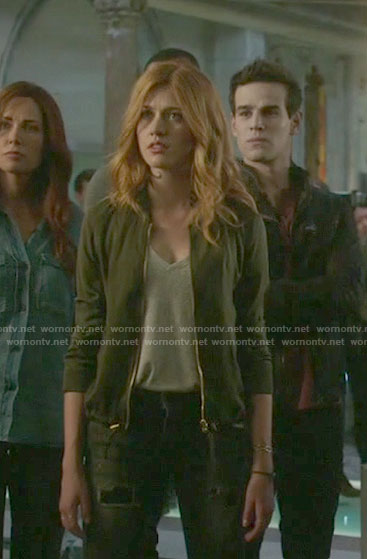 Clary's khaki green zip front jacket on Shadowhunters