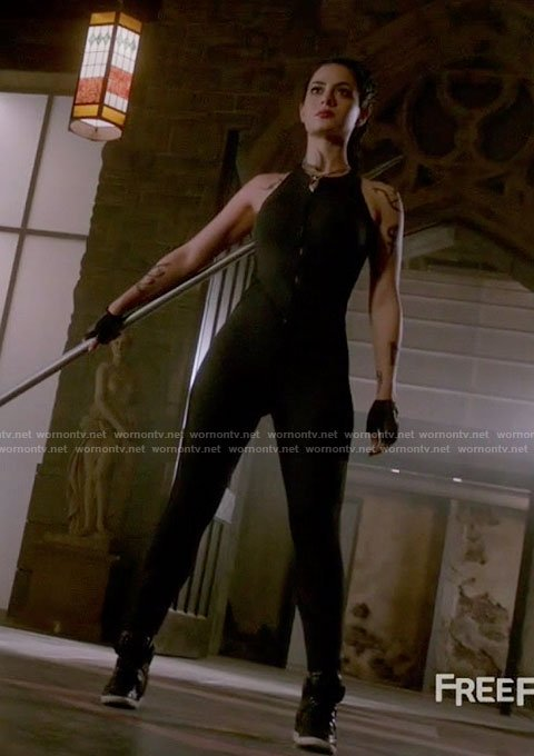 Isabelle's black zip-front jumpsuit on Shadowhunters