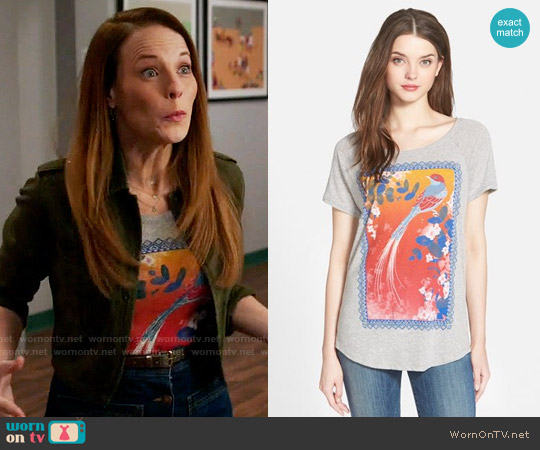 Lucky Brand Framed Bird Graphic Tee worn by Daphne Vasquez (Katie Leclerc) on Switched at Birth