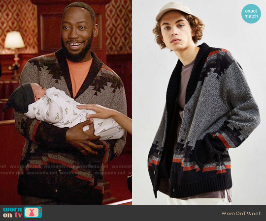 UO Patterned Shawl Cardigan worn by Lamorne Morris on New Girl