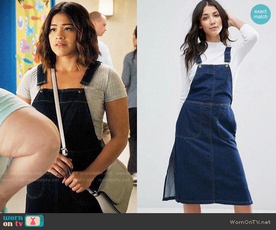 Vero Moda Denim Pinafore Dress worn by Jane Villanueva (Gina Rodriguez) on Jane the Virgin