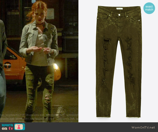 Skinny Mid-Rise Trousers by Zara worn by Clary Fray on Shadowhunters