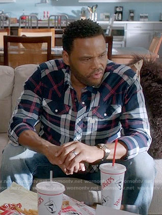 Andre's navy plaid shirt on Black-ish