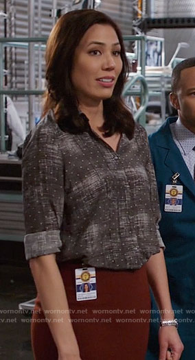 Angela's grey dotted print shirt on Bones